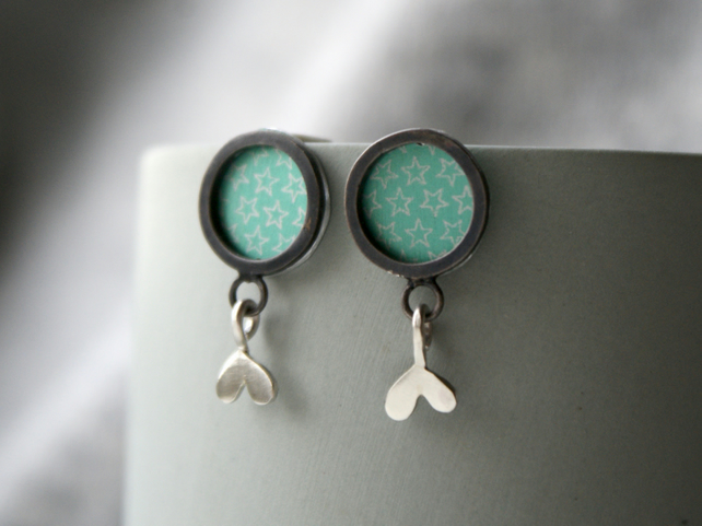 Leafy drop stud earrings - mint