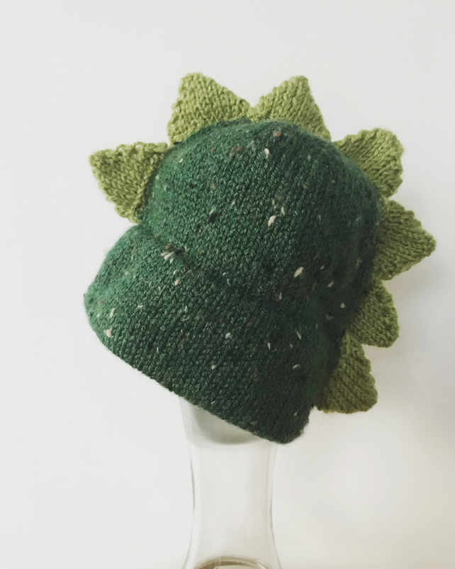 Knitted Dino hat 6-12mths