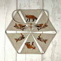 Bunting - Foxes - Fox - Fireplace Bunting