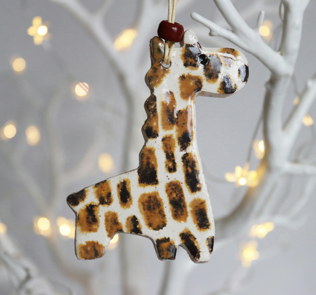 Giraffe decoration - brown and cream