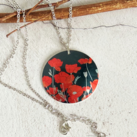 Poppy necklace, 32mm floral disc pendant with red poppies. P32-644
