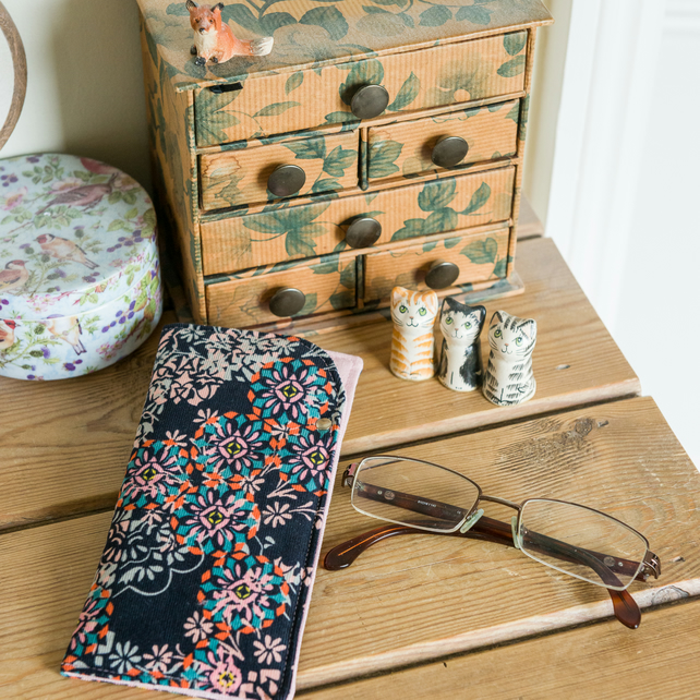 Soft glasses case made with Liberty fine needlecord and metallic Essex Linen