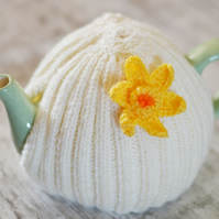 6-8  Cup Daffodil Hand Knitted  Tea Cozy