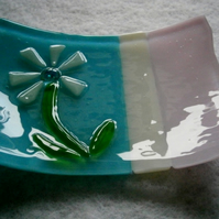 Fused glass soap dish with flower detail