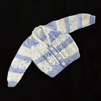 Baby cardigan hand knitted in blue and cream - 6 - 12 months
