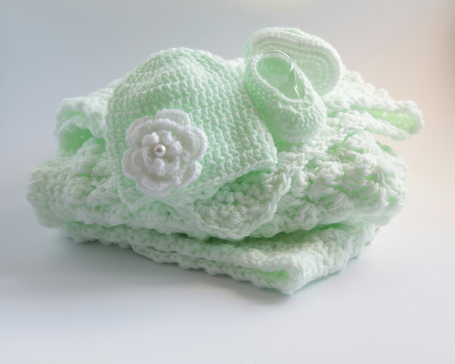 Baby Blanket with Beanie Hat and Shoes Gift Set