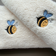 Bee Embroidered hand towel and facecloth set