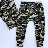 Camouflage Cuffed Leggings in Organic stretchy Cotton (3 and 5 years left)