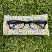 Soft Quilted glasses case with mini flowers