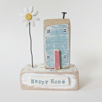 Little Wooden House with Clay Daisy 'Happy Home'