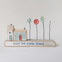 Little Wooden Houses with Clay & Button Garden 'Enjoy the little things'