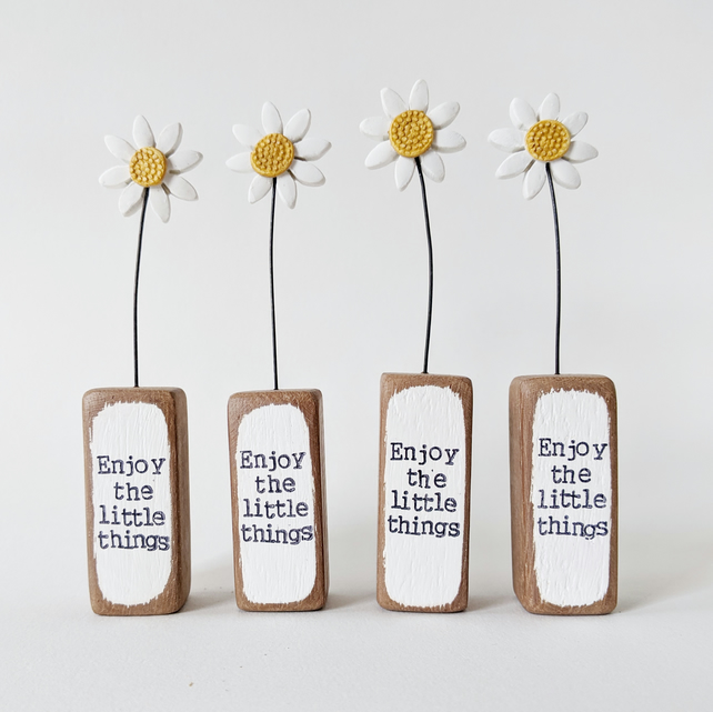Clay Daisy Flower in a Printed Wood Block 'Enjoy the little things'