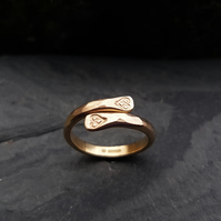 Coorie Ring 9ct gold