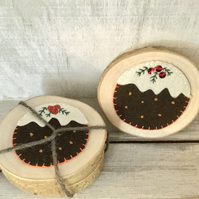 Christmas Pudding Wood Coaster Set