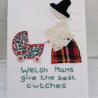 Welsh Lady Canvas Welsh Mams Give The Best Cwtches