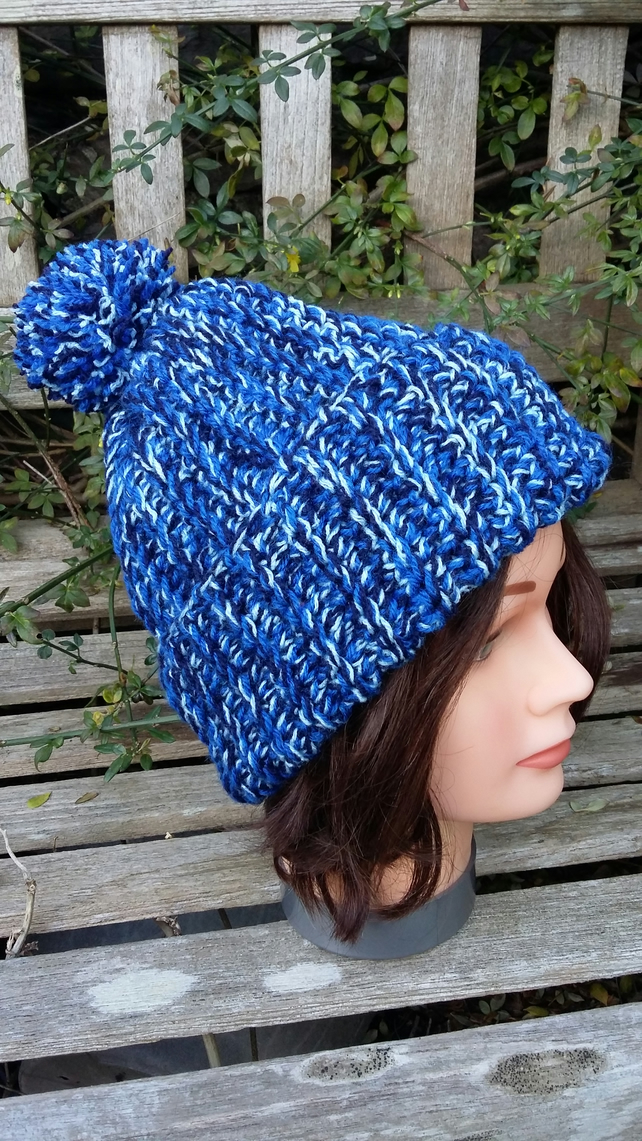 Crochet rib effect bobble hat in shades of blue