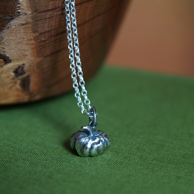 Silver Pumpkin Necklace - Autumn Pumpkin Pendant