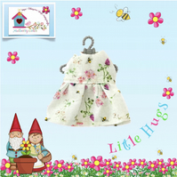 Honey Bees and Clover Dress to fit the Little Hugs dolls and Baby Daisy