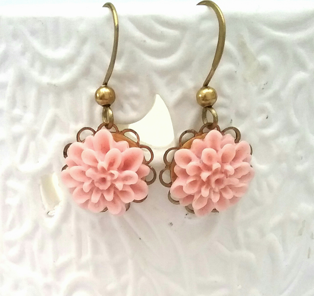 Flower Cabochon Earrings