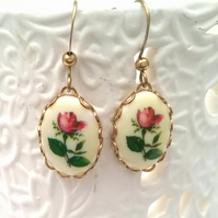 Floral cab Earrings..