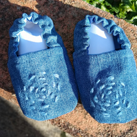 Handmade cotton Prewalker shoes for babies.   UK Size 2 to fit 6-9 months