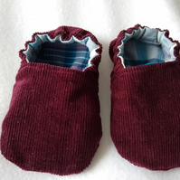Handmade soft cotton baby shoes UK Size 3 to fit 9-12 months