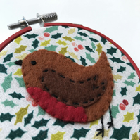 Robin Christmas Decoration, Tree decoration, Hoop Art, Embroidered Decoration