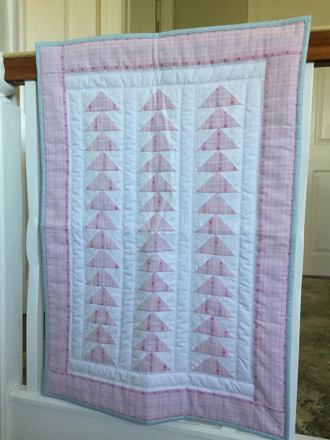 Small Flying Geese Patchwork Quilt