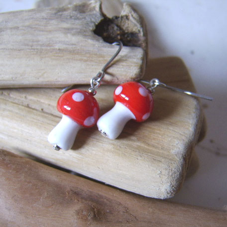 Spookily spectacular red toadstool earrings