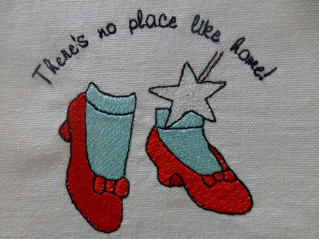 Machine embroidery design file - Ruby red slippers