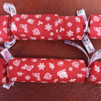 Homemade Christmas crackers, Red, white and green (1)