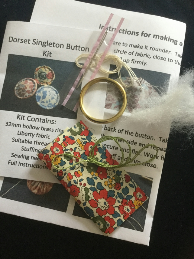 Kit to Make a Dorset Singleton Button in Liberty Print 'Betsy Ann'