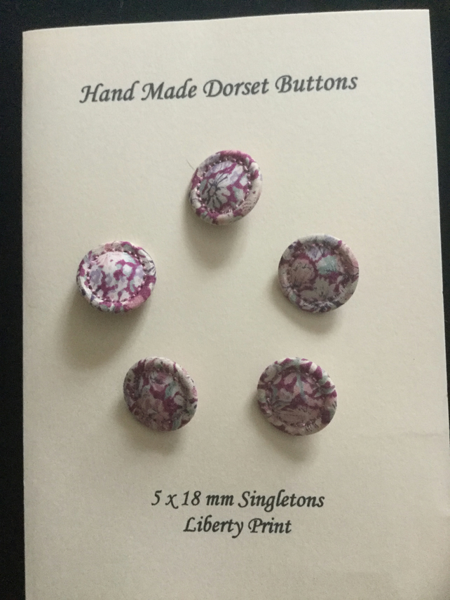 Set of 5, 18 mm, Traditional Dorset Singleton Buttons, S4