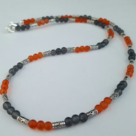 Orange and grey glass bead necklace - 1002443