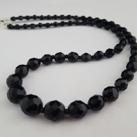 Black faceted graduated bead necklace - 1002450