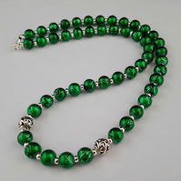 Metallic green glass bead necklace - 1002463