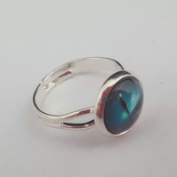 Lizard eye ring - green