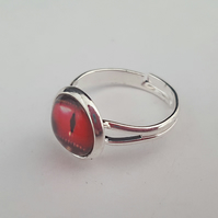 Lizard eye ring - red