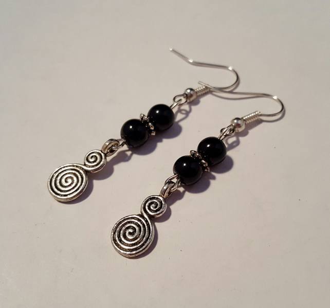 Circle of life earrings - black and silver