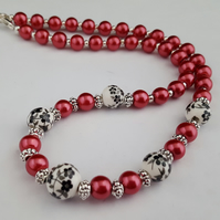 Black, red and white ceramic bead necklace - 1002498