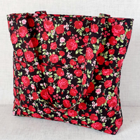 Zipped tote bag, handbag, red roses.