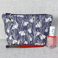 Make up bag, zipped pouch, cosmetic bag, Liberty fabric