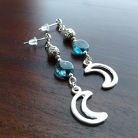Moon and pentagram earrings in blue