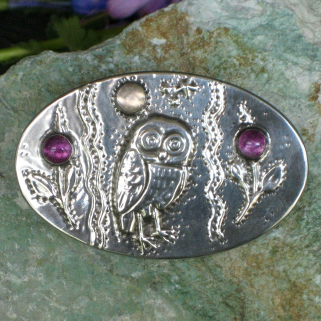 Owl Brooch in Silver Pewter with Purple Gemstones