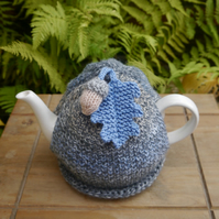 Tunisian Crochet Tea Cosy, Autumn Oak Leaf Tea Cozy