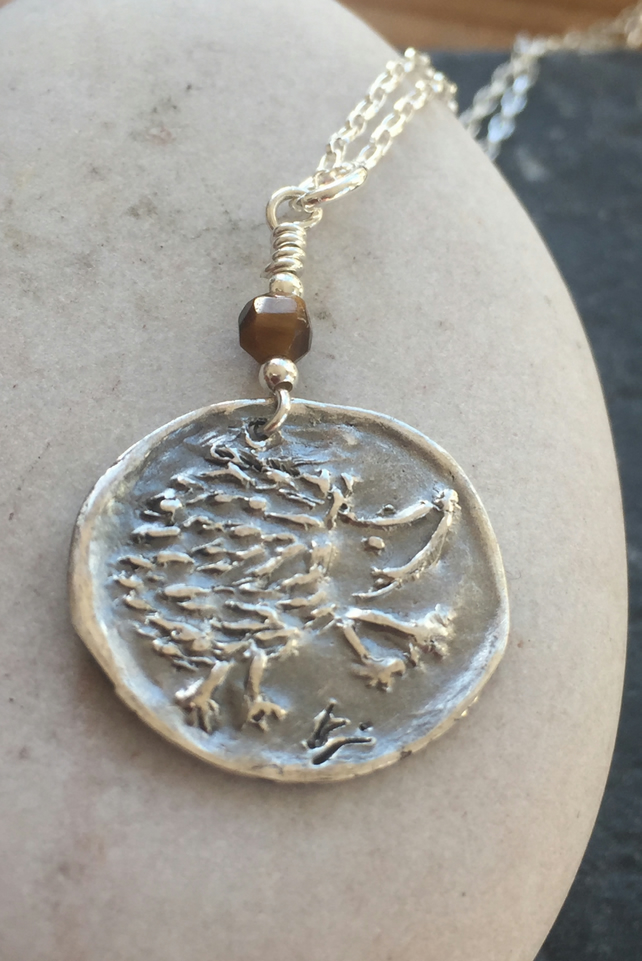 Hedgehog pendant in fine and sterling silver
