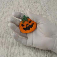 Halloween felt fridge magnet pumpkin