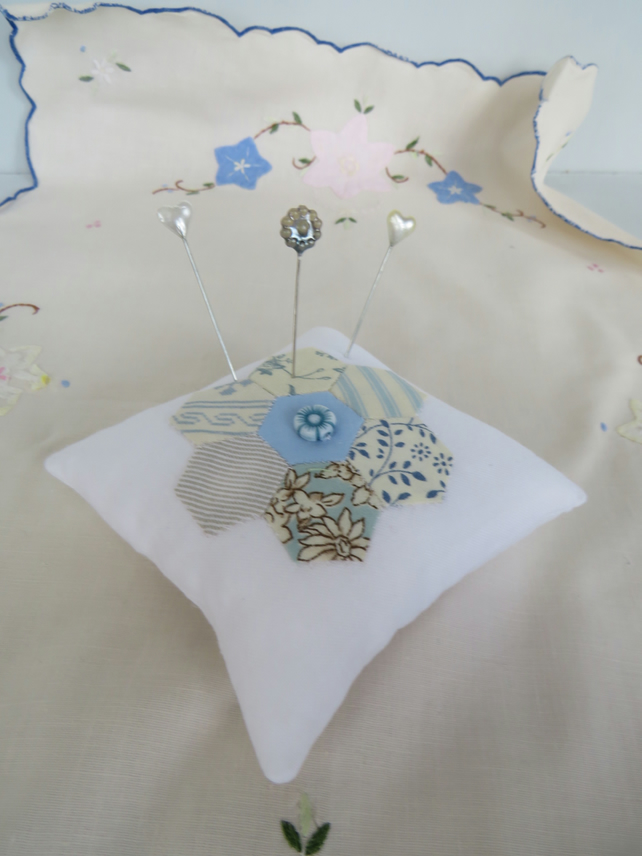 Little Hexi pin cushion