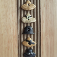 Set of 5 ceramic Hat buttons