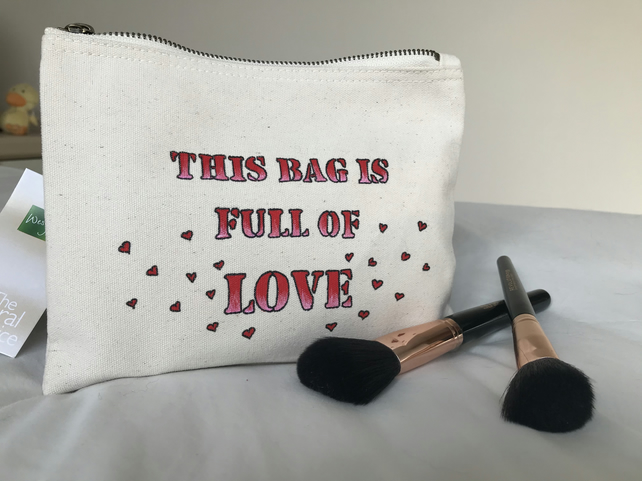 FULL OF LOVE MAKEUP BAG - GIFT WITH LOVE